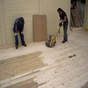 Ремон деревянных полов при помощи заливных растворов